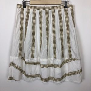 Bcbg maxazaria white and gold pattern skirt medium